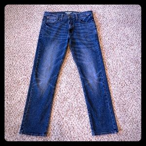 Like New Men's Slim fit Levi Jeans 👖